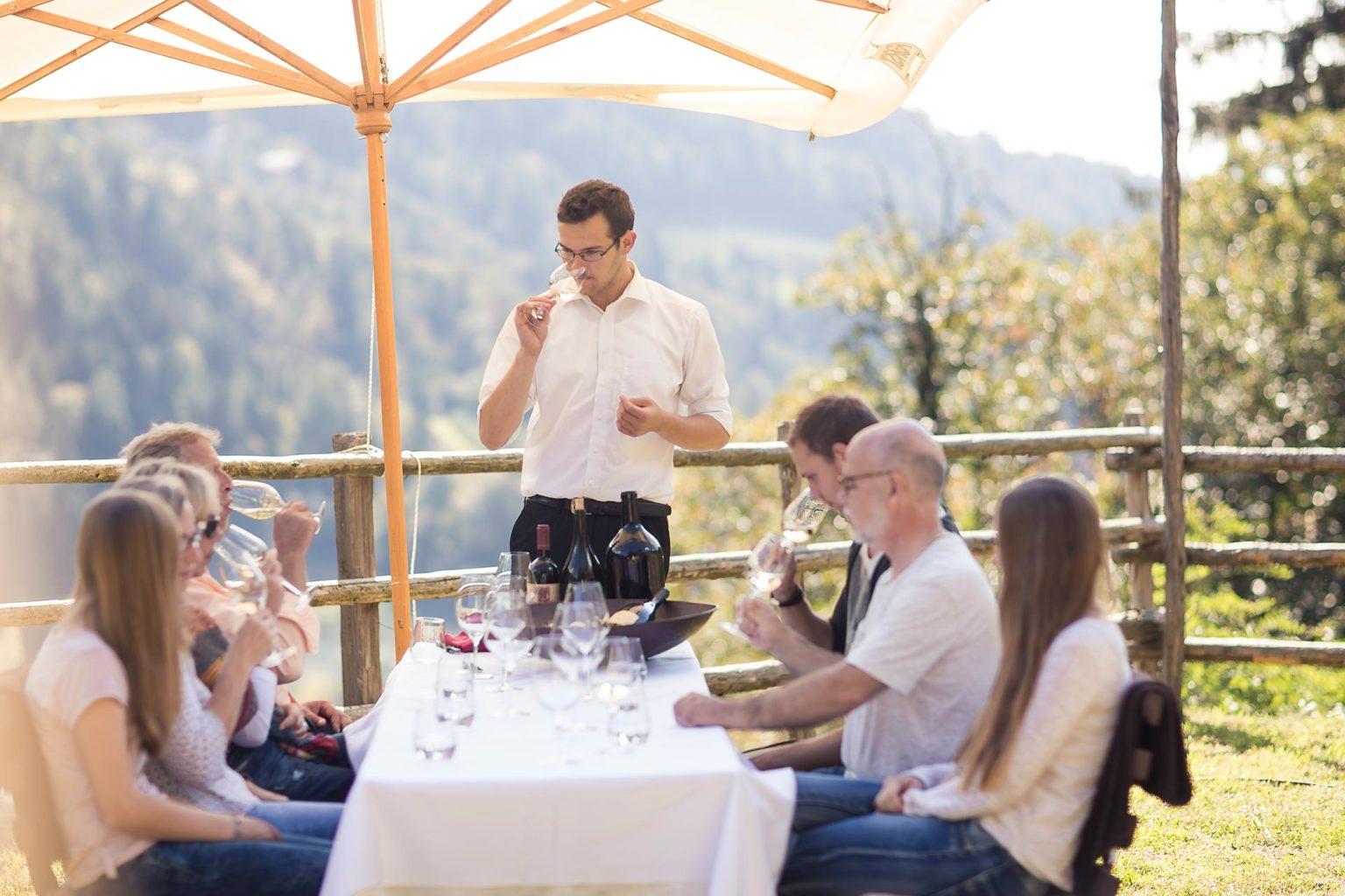 Weinverkostung der eigenen Weine